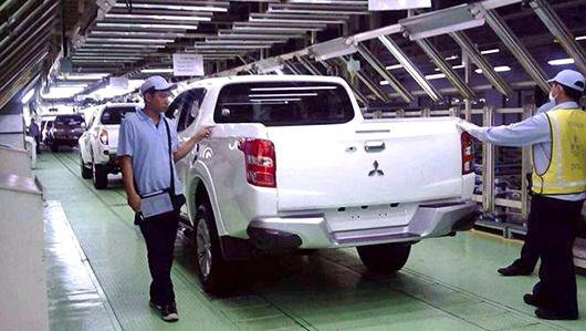Mitsubishi l200,Mitsubishi triton. Японцы обещают перенастроить подвеску и сделать пикап Triton более комфортным при езде по бездорожью.