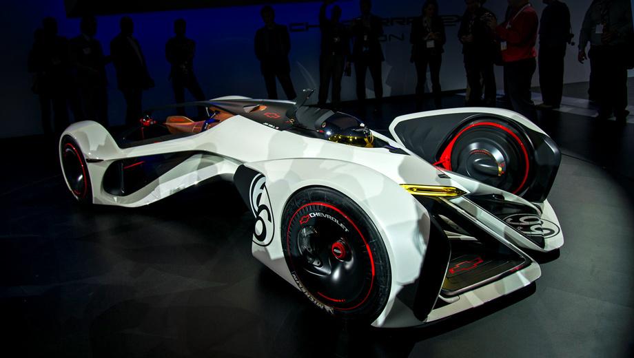 Chevrolet chaparral,Chevrolet corvette. Без преувеличения фантастический гоночный болид построен для автосалона в Лос-Анджелесе. Правда, многие фишки, задуманные авторами этого концепта, пока существует лишь на бумаге.