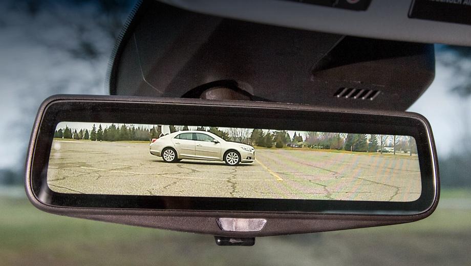 Cadillac ct6. Электронное зеркало может быть превращено в обычное электрохромное нажатием кнопки.