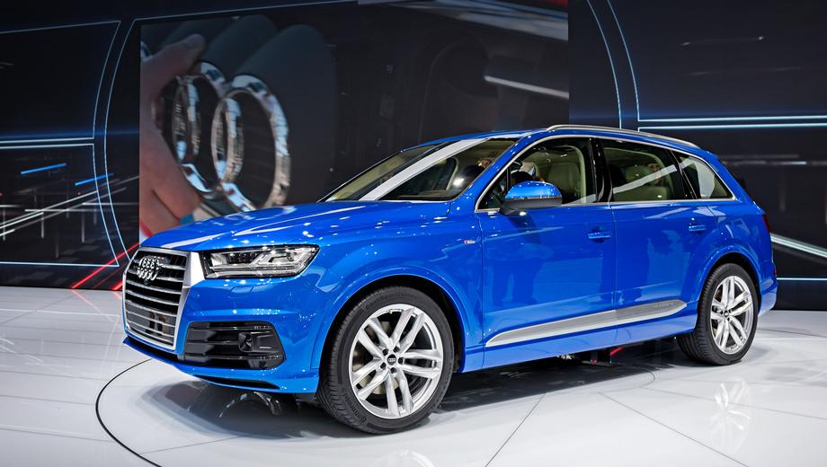 Audi q7. Длина автомобиля — 5,05 м, ширина — 1,97, высота — 1,74 м. Колёсная база — 2,99 м. Кроссовер стал на 37 мм короче и на 15 мм уже предшественника, но немцы утверждают, что салон при этом вырос в размерах: на 21 мм увеличилась дистанция между рядами кресел, прибавилось простора в плечах и над головой. Посидев немного в машине, мы пришли к выводу, что теснее и впрямь не стало.