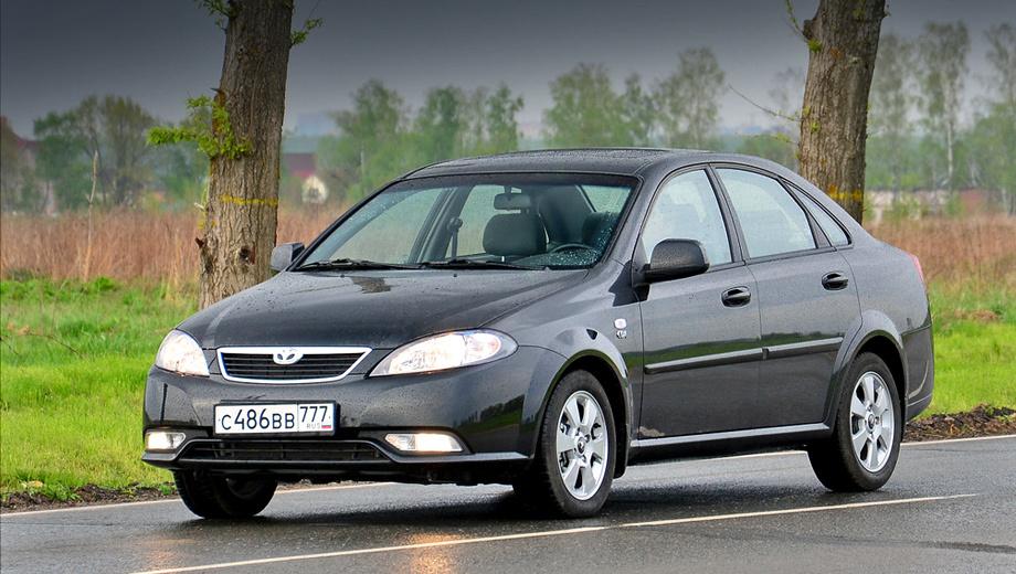Daewoo gentra. Если раньше автомобили марки Daewoo позиционировались как одни из самых доступных, то теперь седан Gentra стал дороже своих главных конкурентов — корейских хитов Hyundai Solaris и Kia Rio.