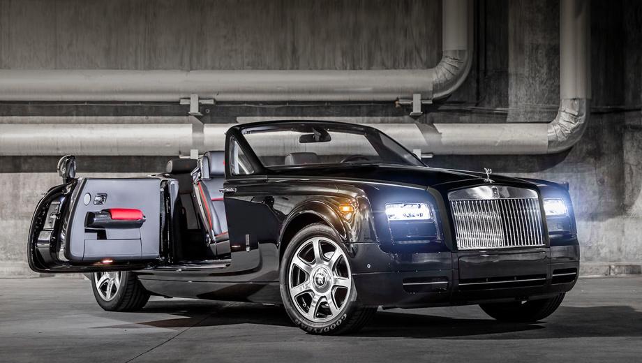 Rollsroyce phantom,Rollsroyce phantom drophead coupe. Как водится, эксклюзивная версия технически не отличается от обычной. Кабриолет оснащён мотором V12 объёмом 6,75 л (460 л.с., 719 Н•м), который разгоняет его до 96 км/ч за 5,6 с и позволяет набрать 241 км/ч максималки. Отмечается, что все автомобили будут оснащены адаптивными светодиодными фарами и окрашены в чёрный цвет Diamond Black Metallic.