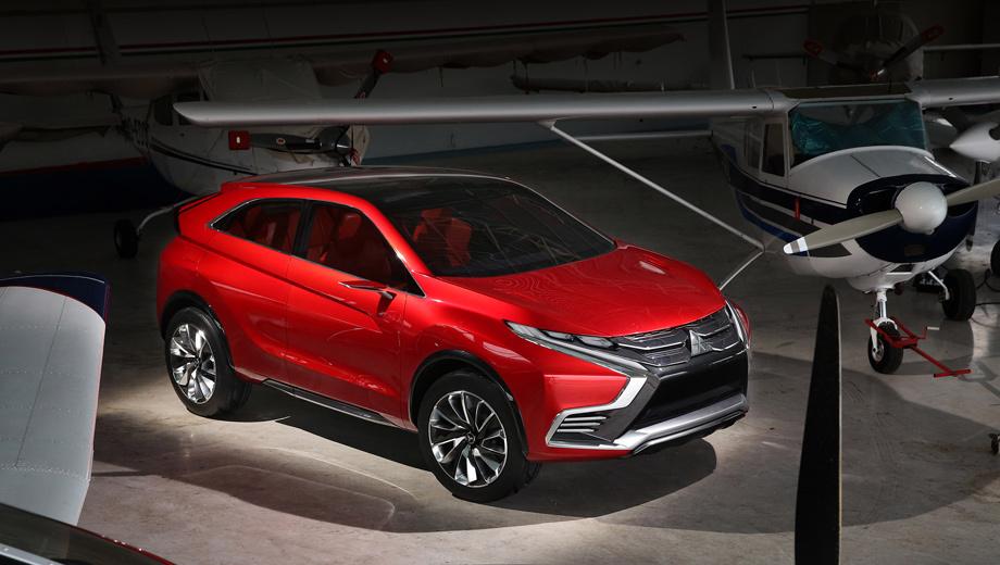 Mitsubishi xr-phev ii,Mitsubishi asx. Облик концепта — эволюция внешности шоу-кара XR-PHEV 2013 года. По мнению создателей, нос машины должен вызывать ассоциации с экипировкой сёгуна, а значит, символизировать хорошую защиту водителя и пассажиров.