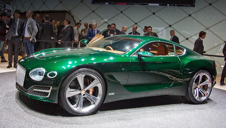 Bentley exp 10 speed 6. Помимо всего прочего, концепт — первый публичный показ нового лица Bentley — одновременно и узнаваемого, и перекроенного. Цвет тоже новый, хотя и под классическим названием British Racing Green. Компания уверяет, что этот оттенок — более насыщенный и глубокий, чем использованный ранее.