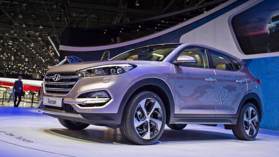 Hyundai tucson. Гексагональная решётка радиатора соединяется со светодиодной оптикой. Дизайн напоминает о последних моделях марки.