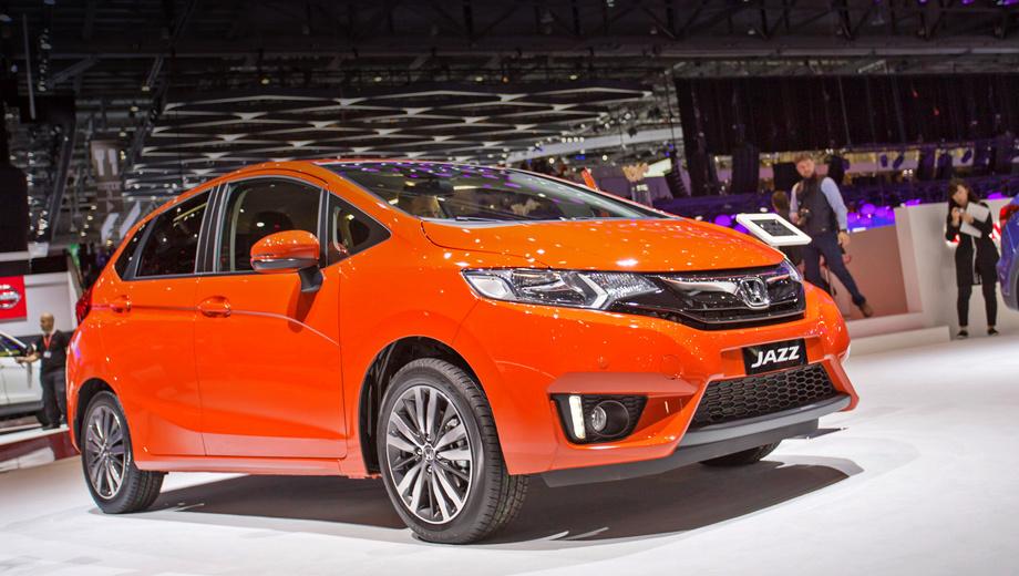 Honda jazz. В Хонде говорят, что новый Jazz лучше предшественника в управляемости. Кроме того, автомобиль стал тише благодаря дополнительной шумоизоляции.
