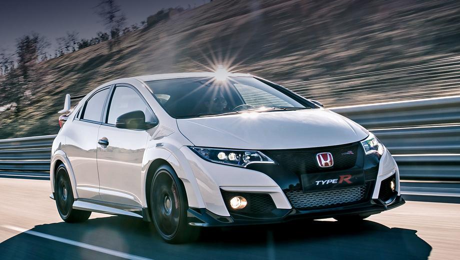 Honda civic type r. Honda Civic Type R - самый быстрый переднеприводный хот-хэтч Нордшляйфе! Японский автомобиль проехал круг за 7:50.65. Для сравнения, прошлый рекорд принадлежал трёхдверке Renault Megane RS Trophy-R, одолевший Нюрбургринг за 7:54.36.