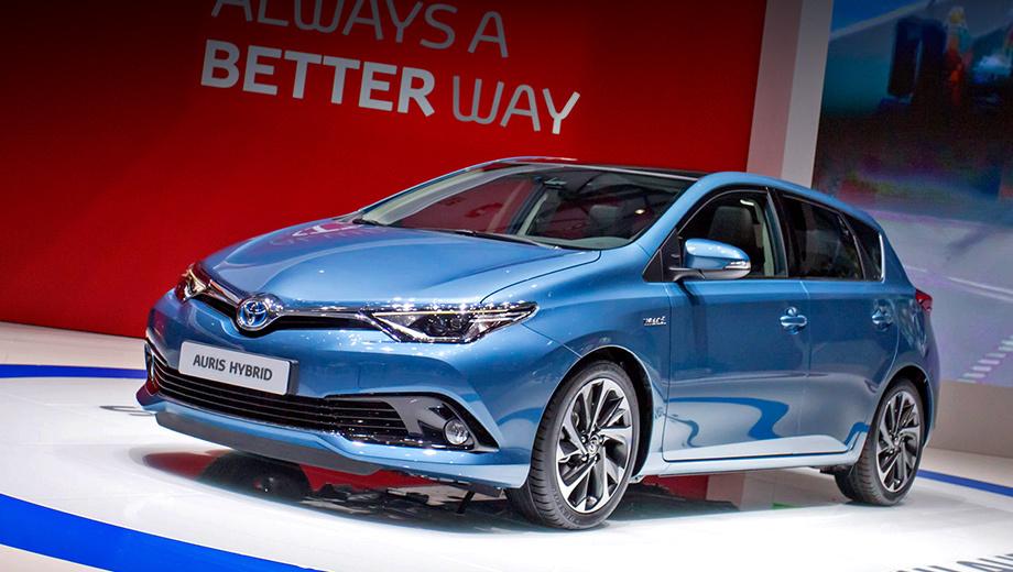 Toyota auris. Это у нас в стране хэтчбек Toyota Auris не пользуется особой популярностью (в прошлом году реализовано всего 1411 автомобилей), а в Европе эта модель на втором месте среди всех Тойот.