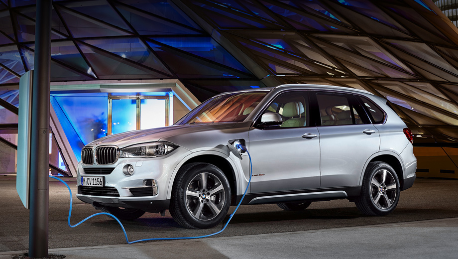 Bmw x5,Bmw x5 plugin hybrid. Кроссовер BMW X5 xDrive40e — первый серийный заряжаемый от розетки гибрид компании, не относящийся к линейке i.