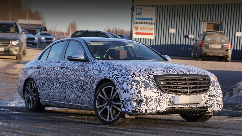 Mercedes e. Пока идут тесты, немцы «по частям» раскрывают машину. Мы уже видели фары. А шпионские снимки показали новые колёсные диски.