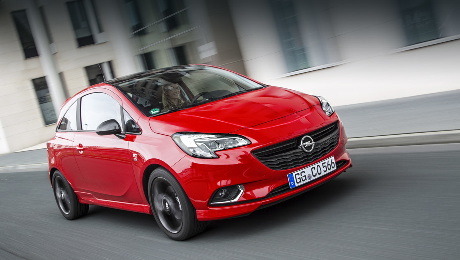 Opel corsa. Новую вариацию Корсы можно будет заказать в исполнениях Color Edition, Innovation и Turbo Plus, отличающихся отделкой (противотуманки, зеркала, пороги). В последнем случае набор включает в себя сплиттер, спойлер и спортивный кожаный руль из пакета OPC Line.