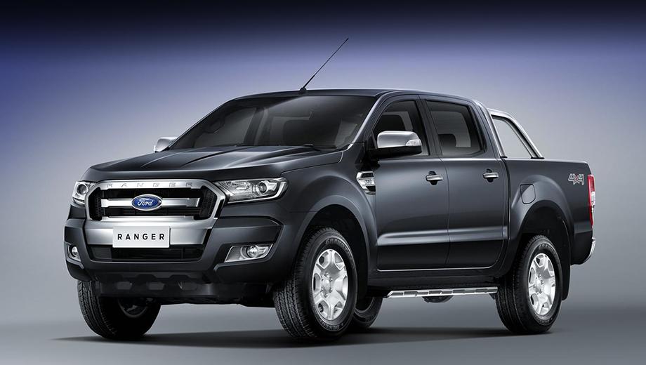 Ford ranger. Больше всего изменений пришлось на переднюю часть автомобиля. Обновлённый Ford Ranger выглядит агрессивнее предшественника за счёт других фар и решётки радиатора.
