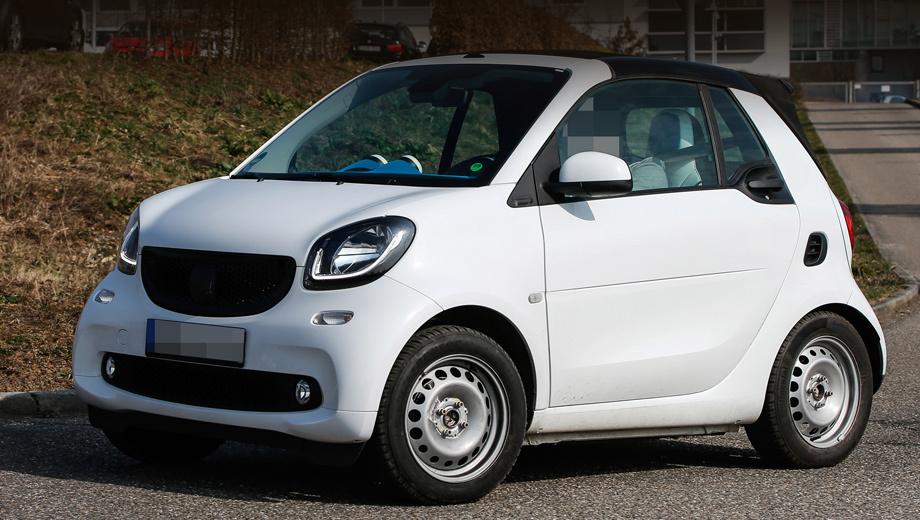 Smart fortwo,Smart fortwo cabrio. Открытый вариант модели Smart ForTwo от исходника визуально почти не отличается.