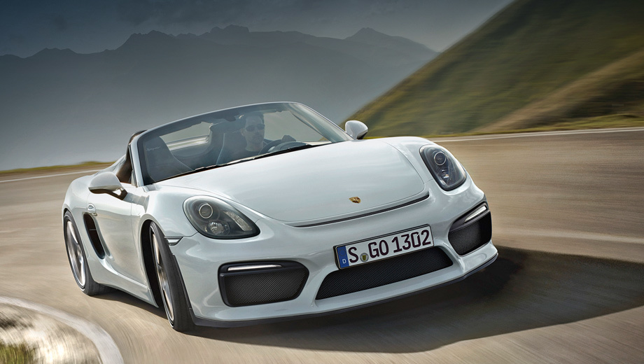 Porsche boxster spyder,Porsche boxster. Новинка заимствовала передний бампер у самого быстрого Каймана, и это совпадение намекает на близкую начинку. Длина Boxster Spyder равна 4414 мм (на 40 мм больше базового Бокстера), а его высота на 20 мм ниже — 1262.