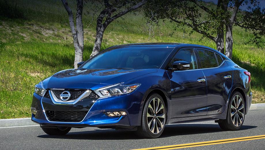 Nissan maxima. Предвестником новой Максимы был Nissan Sport Sedan Concept, показанный в январе 2014 года в Детройте. Тогда японцы отказывались признавать преемственность, а теперь её подчёркивают, говоря о наследии. Флагман стал длиннее предшественника (+5,5 см), ниже (–3,3 см), легче (–37 кг) и крепче (+25% к жёсткости кузова на кручение).
