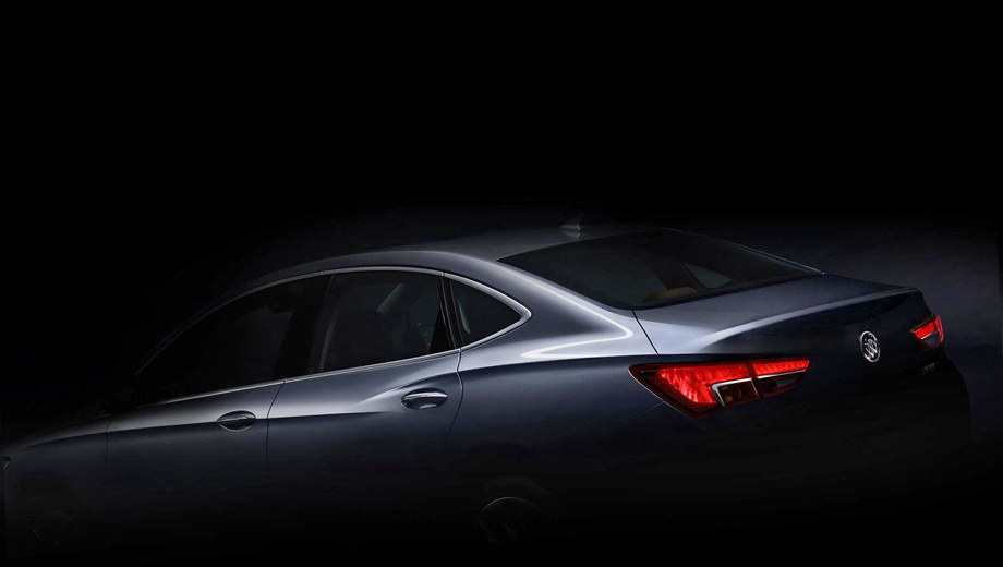 Buick verano. Производитель утверждает, что облик создавался под влиянием концепта Riviera (2013) и что даже тут можно найти общие мотивы с шоу-каром Avenir, хоть тот появился всего три месяца назад.