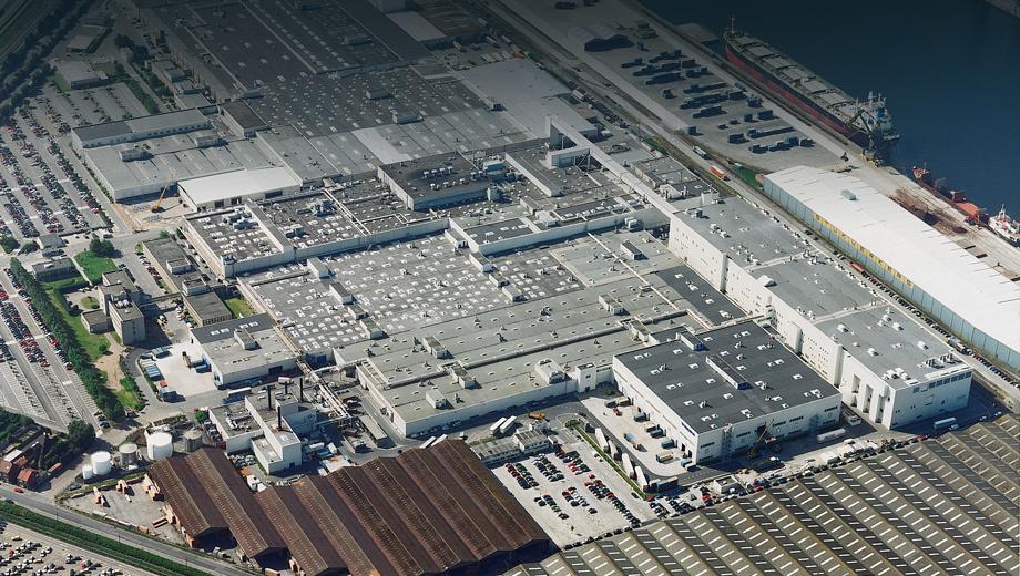 Volvo v40,Volvo c30. Завод Volvo в Генте работает с 1965 года. В 2013-м предприятие построило свой пятимиллионный автомобиль.