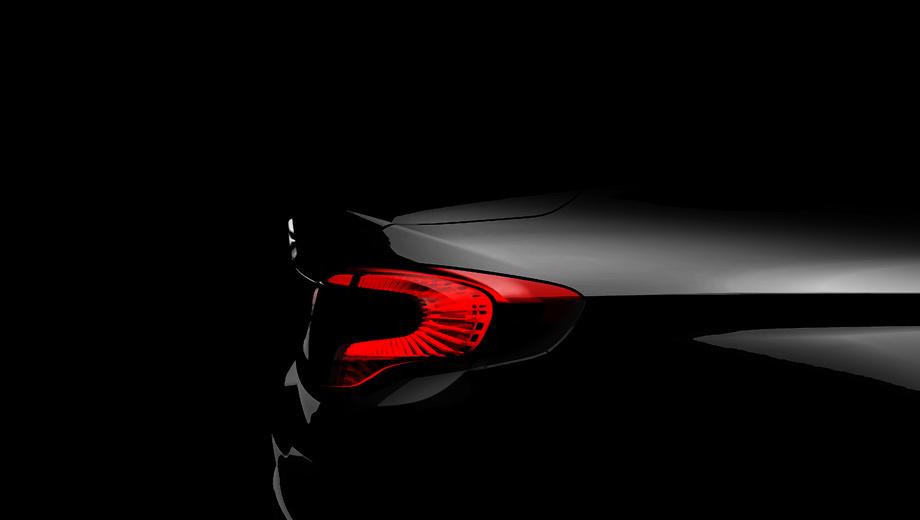 Fiat linea,Fiat bravo. Фрагмент багажника с фонарём подтверждает обещание производителя сделать седан подлинным примером «роскошного итальянского дизайна». Кстати, над обликом совместно работали специалисты центра стиля FCA и компании Tofas.