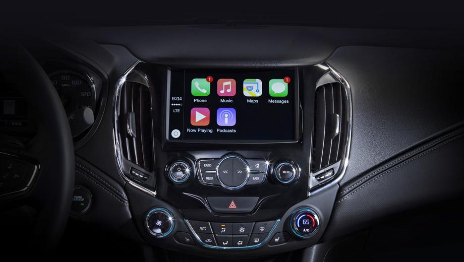 Chevrolet cruze. Судя по официальному тизеру, передняя панель и консоль новинки повторяют те, что у китайского Круза. Но в остальном интерьер может отличаться.