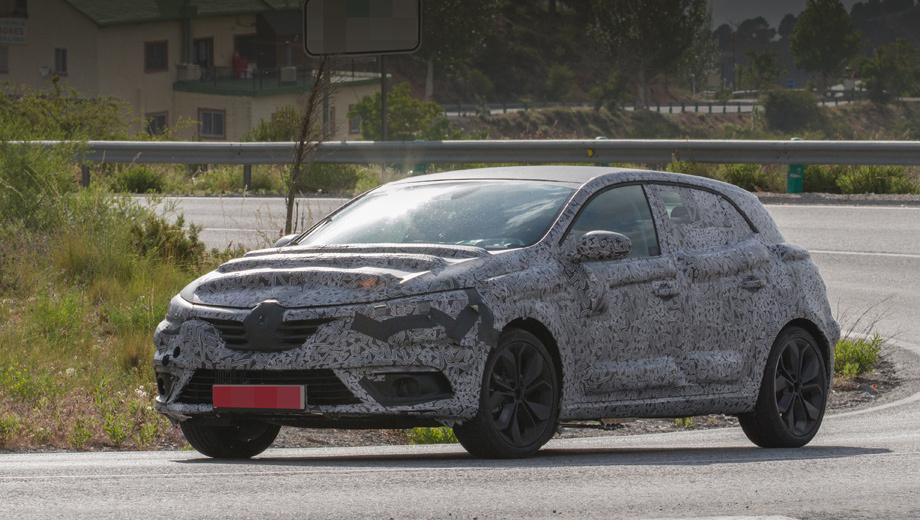 Renault megane. По сравнению с предшественником хэтчбек должен прибавить в спортивных качествах, а внутри — выглядеть дороже.