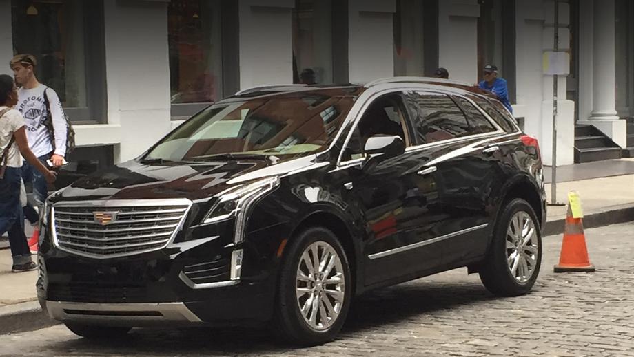 Cadillac srx,Cadillac xt5. Визуально новичок следует в фарватере нового флагмана CT6.