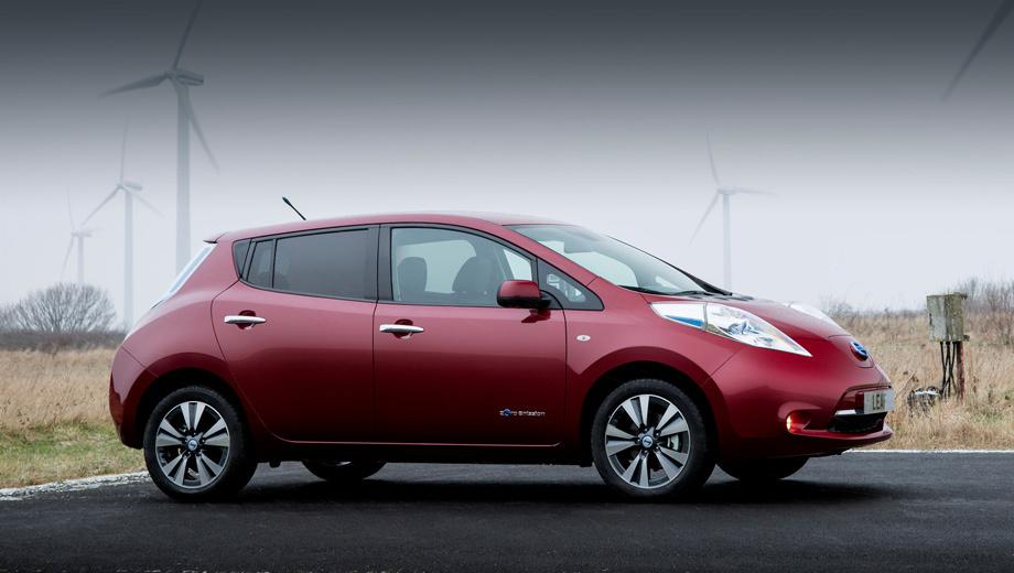Nissan leaf. Выезжая утром из дома, владелец электрокара Nissan Leaf не должен переживать, что где-то вдали от розетки застрянет с севшим аккумулятором. Такую цель поставил перед собой производитель модели.