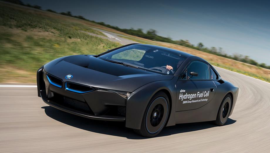 Bmw i8,Bmw 5 gt,Bmw 2,Bmw 1. Для BMW i8 на водороде этот полигон — дом родной. В здешней лаборатории опытный образец появился, тут же тестируется. Для испытаний на автодроме воспроизведены все типы дорог, бездорожье и даже часть Нюрбургринга.