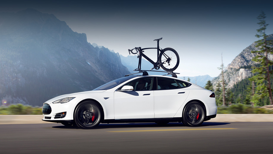 Tesla model s. Теперь компания предлагает восемь вариантов «эсок» — и это без учёта опций типа адаптивной пневмоподвески или автопилота.