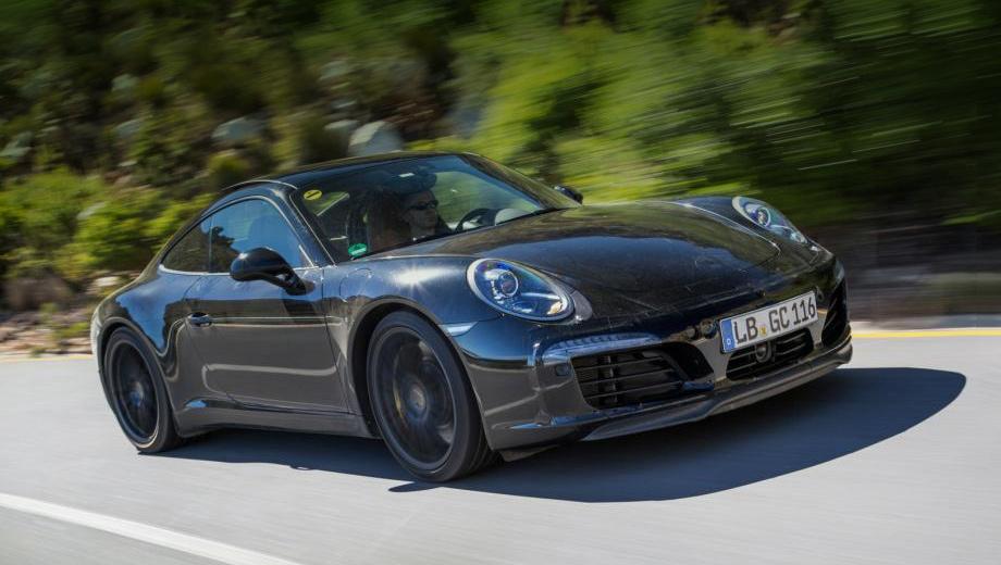 Porsche 911. В продажу рестайлинговые двухдверки должны поступить в начале 2016 года.
