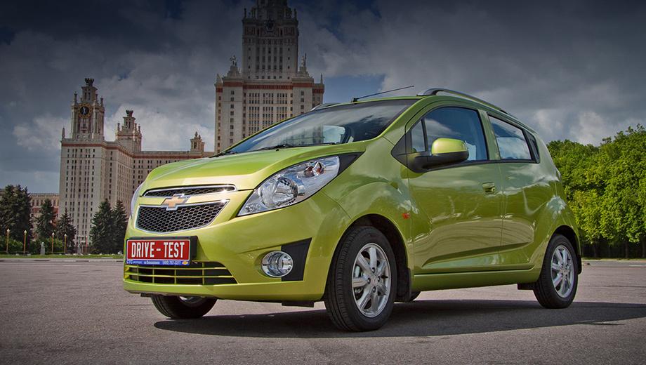 Chevrolet spark,Chevrolet sparkdt. Chevrolet Spark обязан жизнью почти 2 млн интернет-пользователей, голосовавших в 2007 году за серийное будущее концепт-караBeat. Премьера Спарка состоялась в Женеве в2009-м, и той же осенью его начали продавать в Корее какDaewoo Matiz.