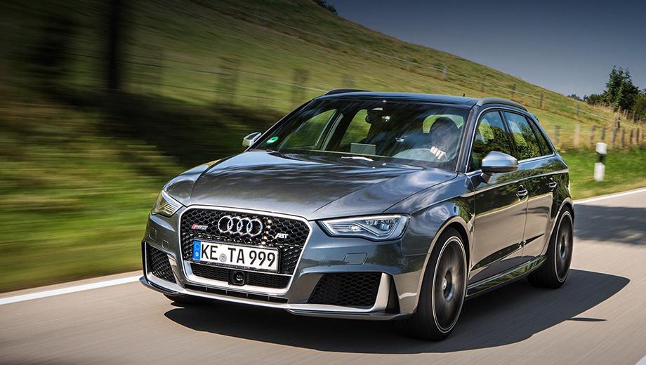 Audi rs3. Внешних отличий от стандартной модели — по минимуму. Ателье ABT добавило оригинальные по дизайну 19-дюймовые колёсные диски.