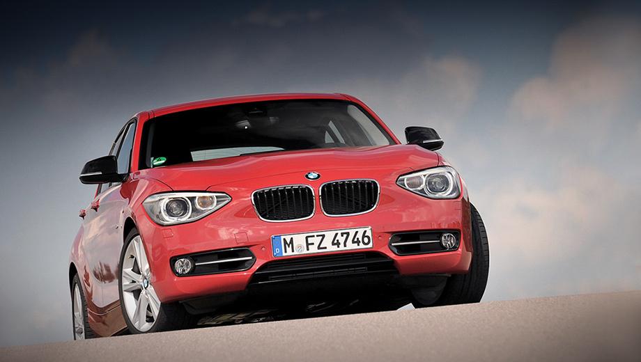Bmw 1,Bmw 1_2011_dt. Дети оттягивают вниз веки, чтобы напугать друг друга. Повзрослевшая «единичка» — чтобы привлечь новых покупателей. Цены начинаются от 875 000 рублей за 136-сильную версию BMW 116i.