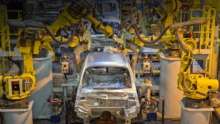 Nissan juke. Завод в Сандерленде на протяжении последних трёх лет выпускает по 500 000 машин в год: 80% автомобилей экспортируется на 130 рынков с лишним. Здесь делают Nissan Qashqai, Nissan Note, электрокар Nissan Leaf, Nissan Juke Nismo RS, к концу года на конвейер встанет Infiniti Q30.