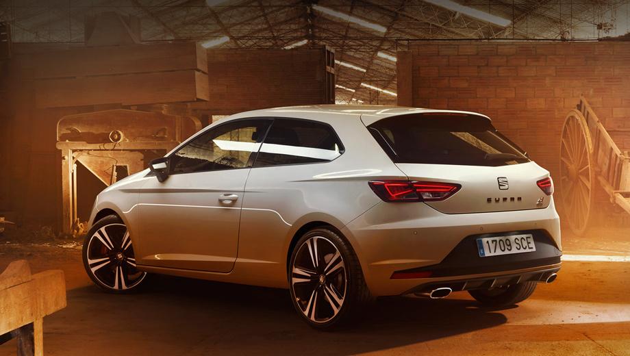 Seat leon,Seat leon cupra. С мощностной добавкой изменилось название — теперь это Seat Leon Cupra 290. На задней двери появился соответствующий шильдик. Хэтч стал экономичнее примерно на литр: с «роботом» он потребляет 5,4 л/100 км, а на «механике» — 5,5 л.