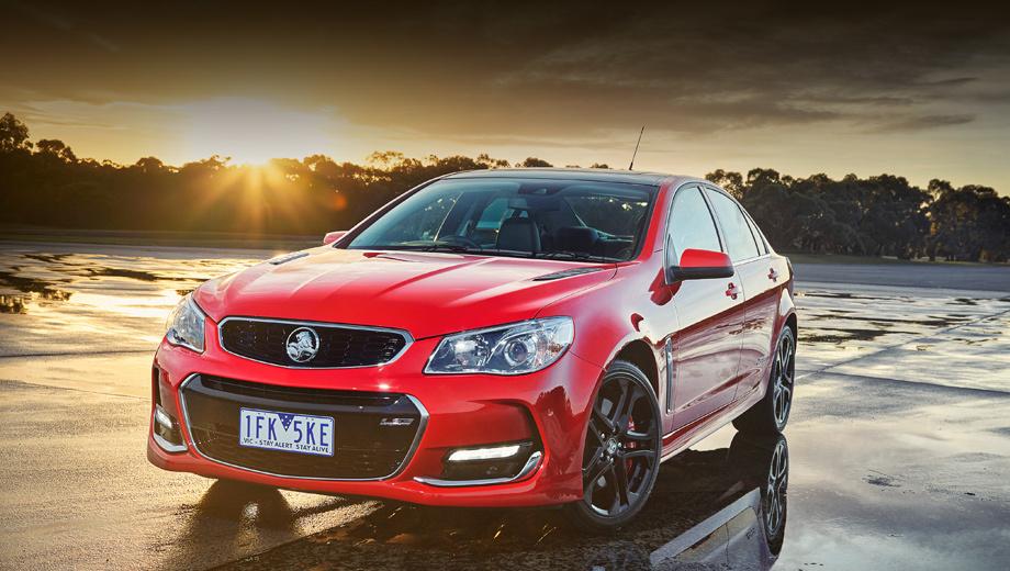 Holden commodore,Holden vf commodore,Holden vf sportwagon,Holden vf ute. Модификация SSV Redline теперь может похвастать двухрежимным выхлопом, тормозами Brembo на всех колёсах, опциональными дисками на 20 дюймов, функциональными вентиляционными прорезями на капоте.