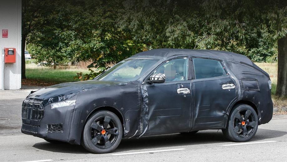Maserati levante. По меркам кроссоверов новый автомобиль будет не очень высоким, с сильно наклонёнными лобовым и задним стёклами, длинным капотом.