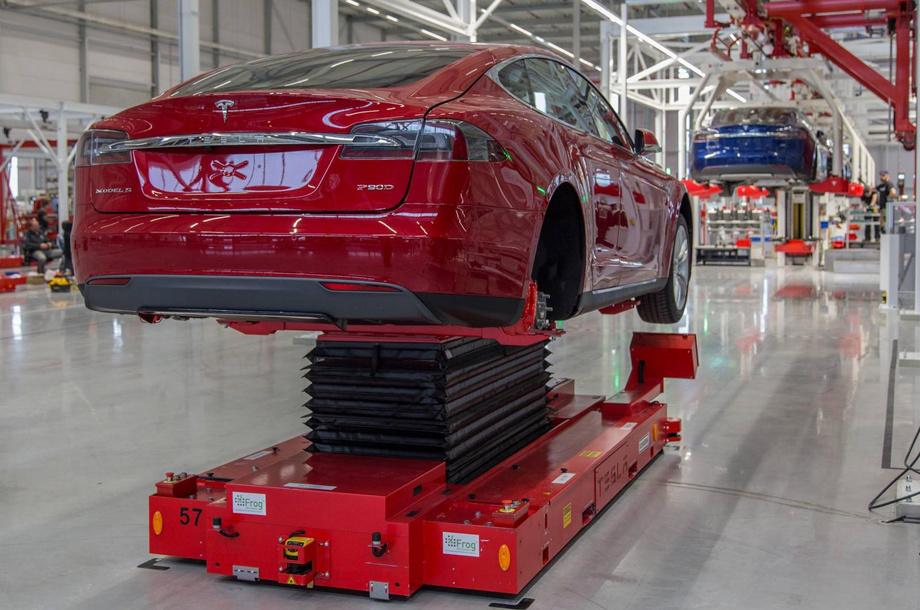 Икона американского хай-тек: проблемы Tesla больше невозможно замалчивать