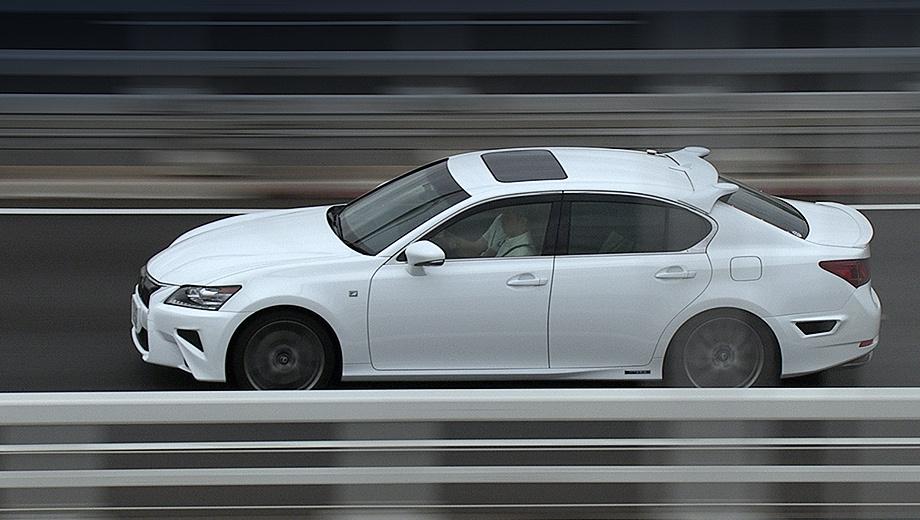 Lexus gs,Lexus rc. Возможности технологии Highway Teammate были продемонстрированы на примере седана Lexus GS.
