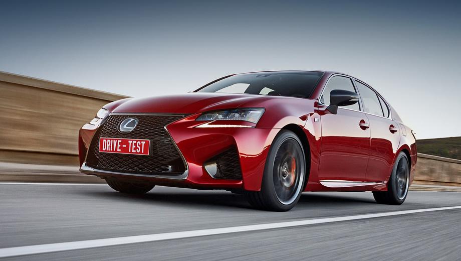Lexus gs. Американские продажи седана Lexus GS F стартуют в ноябре-декабре. Российские перспективы модели пока в тумане, но если он и рассеется, скромной цена не будет: даже за купе RC F сейчас просят 4,9 млн рублей.