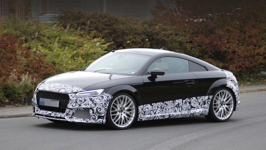 Audi tt rs,Audi tt. «Горячую» модель выдают ячеистая решётка радиатора, воздухозаборники без горизонтальной планки, изменённые пороги, оригинальные колёсные диски, усиленные тормоза.