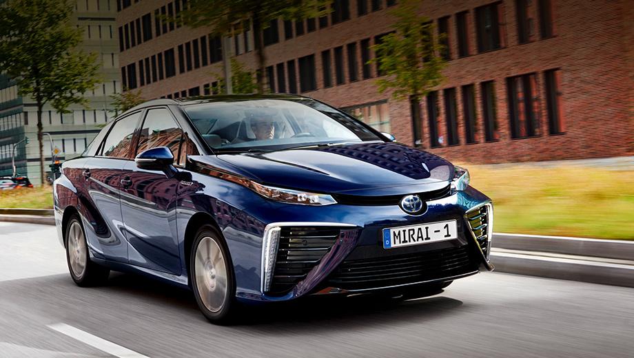 Toyota mirai. Ценник на европейскую версию седана пока неизвестен. В США модель стоит от $57 500 (без учёта различных льготных программ от государства).