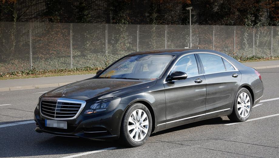 Mercedes s. После рестайла S-классу должны достаться «умные» фары Multibeam следующего поколения, светодиоды которых будут регулироваться электроникой независимо друг от друга.