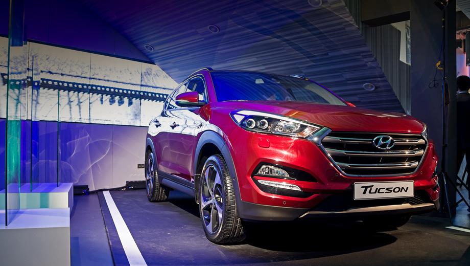Hyundai tucson. В зависимости от двигателя, коробки передач и типа привода разгон до 100 км/ч у Тусанов варьируется от 9,1 с до 11,8, а расход топлива в смешанном цикле ― от 6,5 до 8,3 л на 100 км.