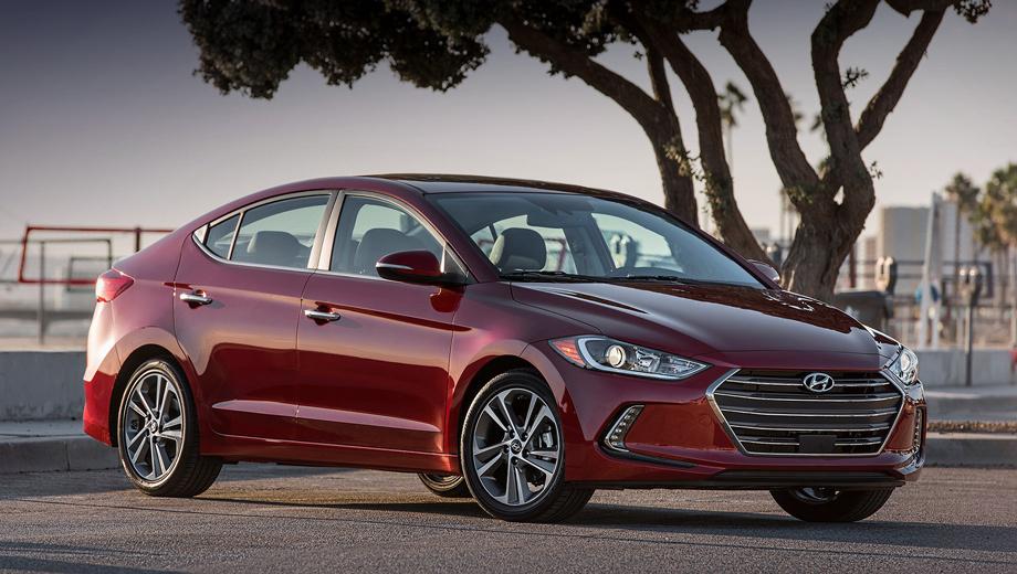Hyundai elantra. По сравнению с предшественником новая Элантра, конечно, сделала шаг вперёд, а вот от показанной ранее южнокорейской версии она ничем не отличается.