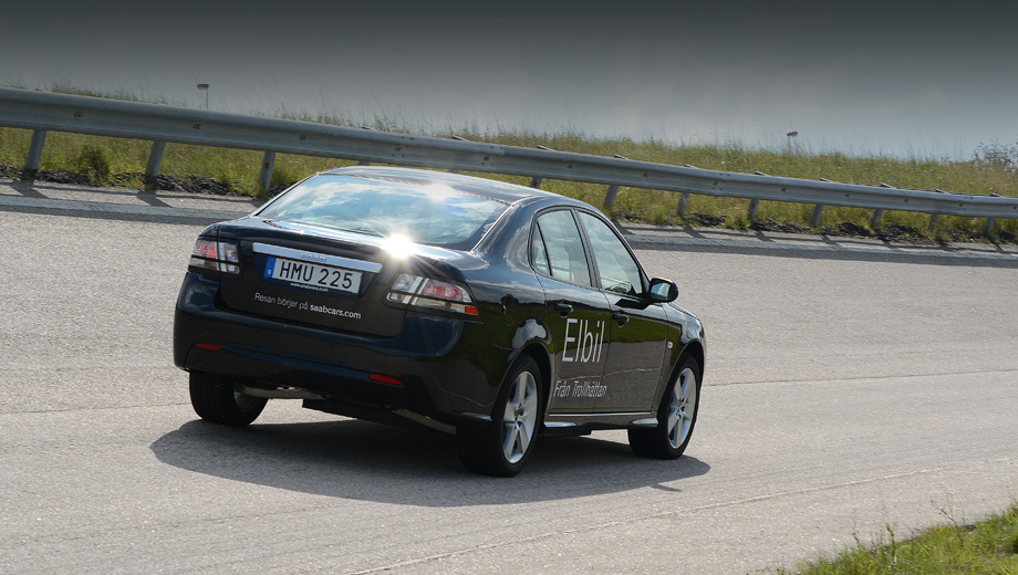 Saab 93,Saab 93 ev. Опытные электромобили фирма Saab строила ещё до своего банкротства и смены владельцев, но именно под руководством компании NEVS в 2014 году она создала наиболее близкий к серии образец.