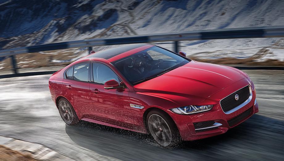 Jaguar xe. Первые седаны Jaguar XE AWD доберутся до российских покупателей, когда сезон полноприводников уже закончится — к концу весны или началу лета будущего года.