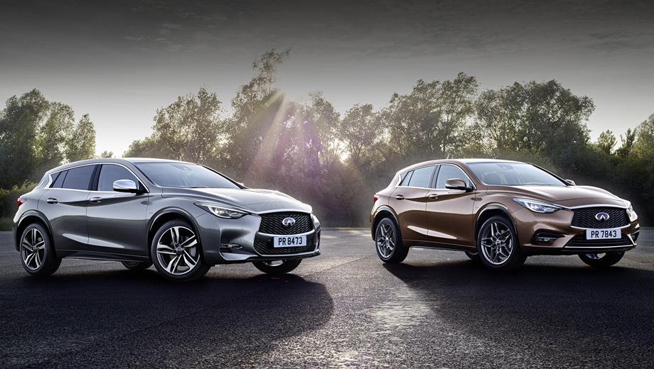 Infiniti qx30. Это варианты QX30S (слева) и QX30. Основные отличия — в бамперах и клиренсе, а также колёсах и тормозных дисках. Вопреки шильдику 2.2d на коричневой машине, в США дизеля не будет.