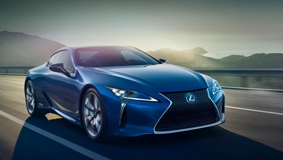 Lexus lc. Бензиновая модификация купе Lexus LC появится в продаже только весной следующего года, а гибридную придётся ждать ещё дольше.