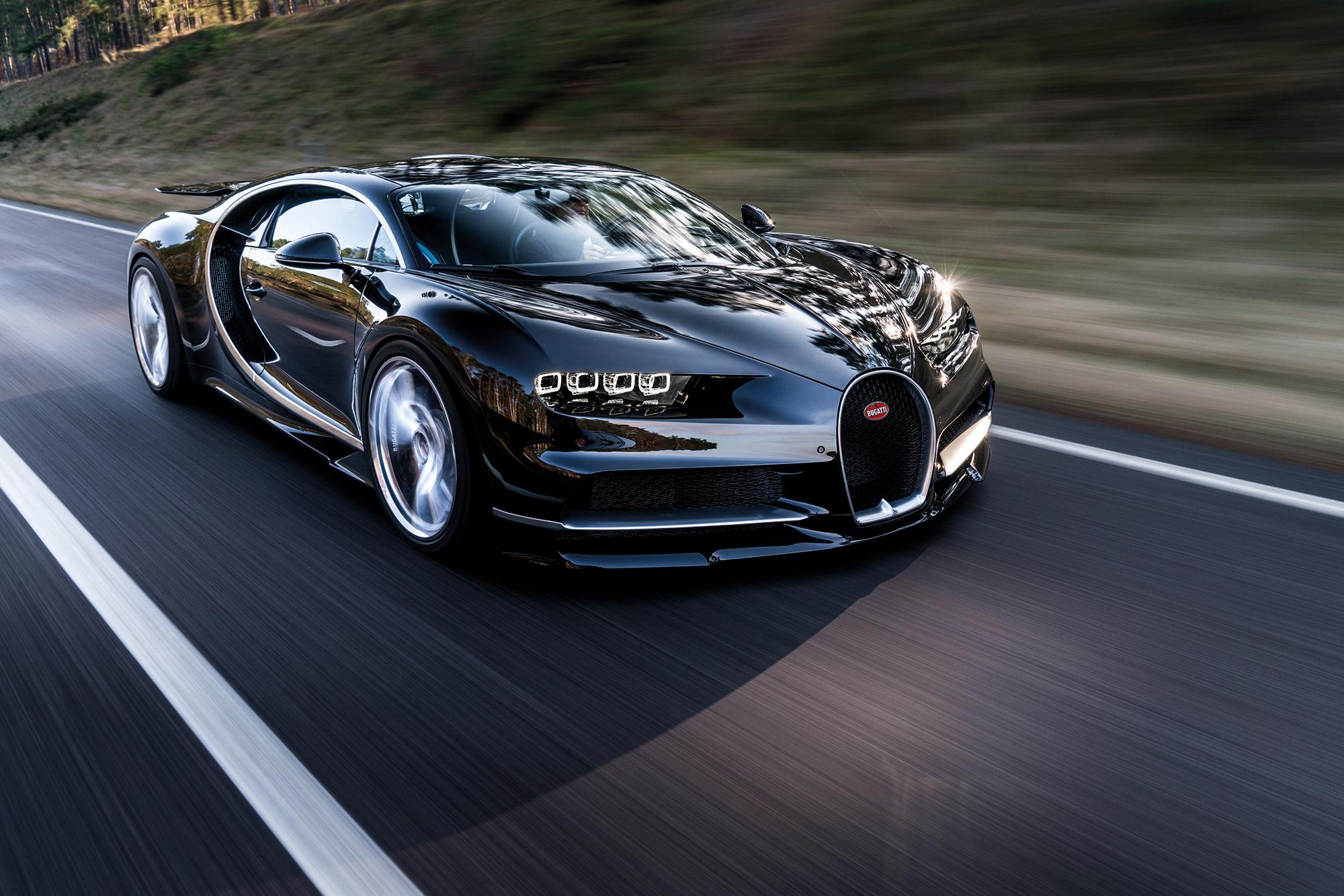 Гиперкар Bugatti Chiron идёт на мировой рекорд скорости