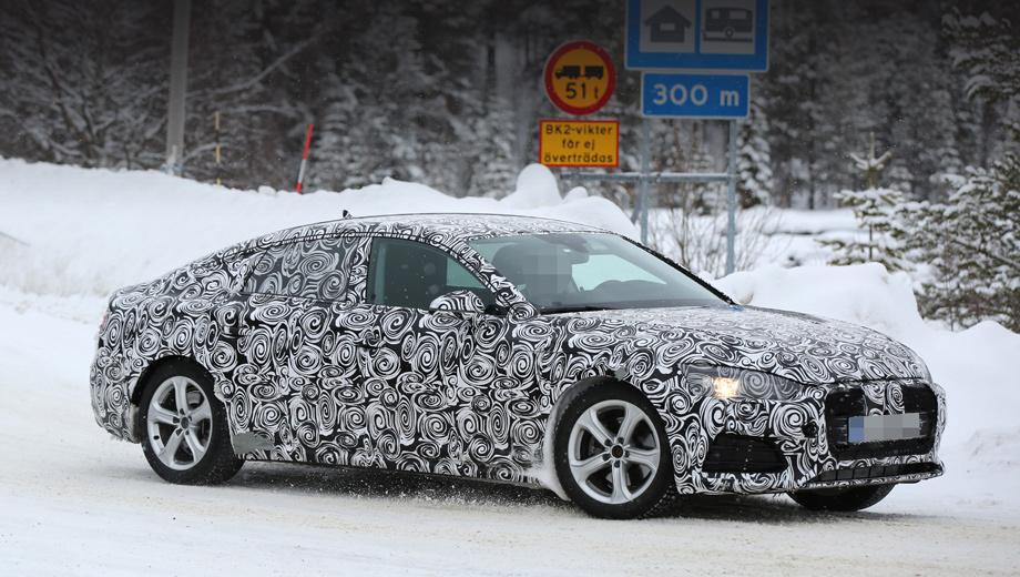 Audi a5,Audi a5 sportback. От модели А4 «пятёрка» отличается не только задней частью кузова. У А5 фары крупнее и иной формы, решётка радиатора ниже, передний бампер тоже выглядит иначе.